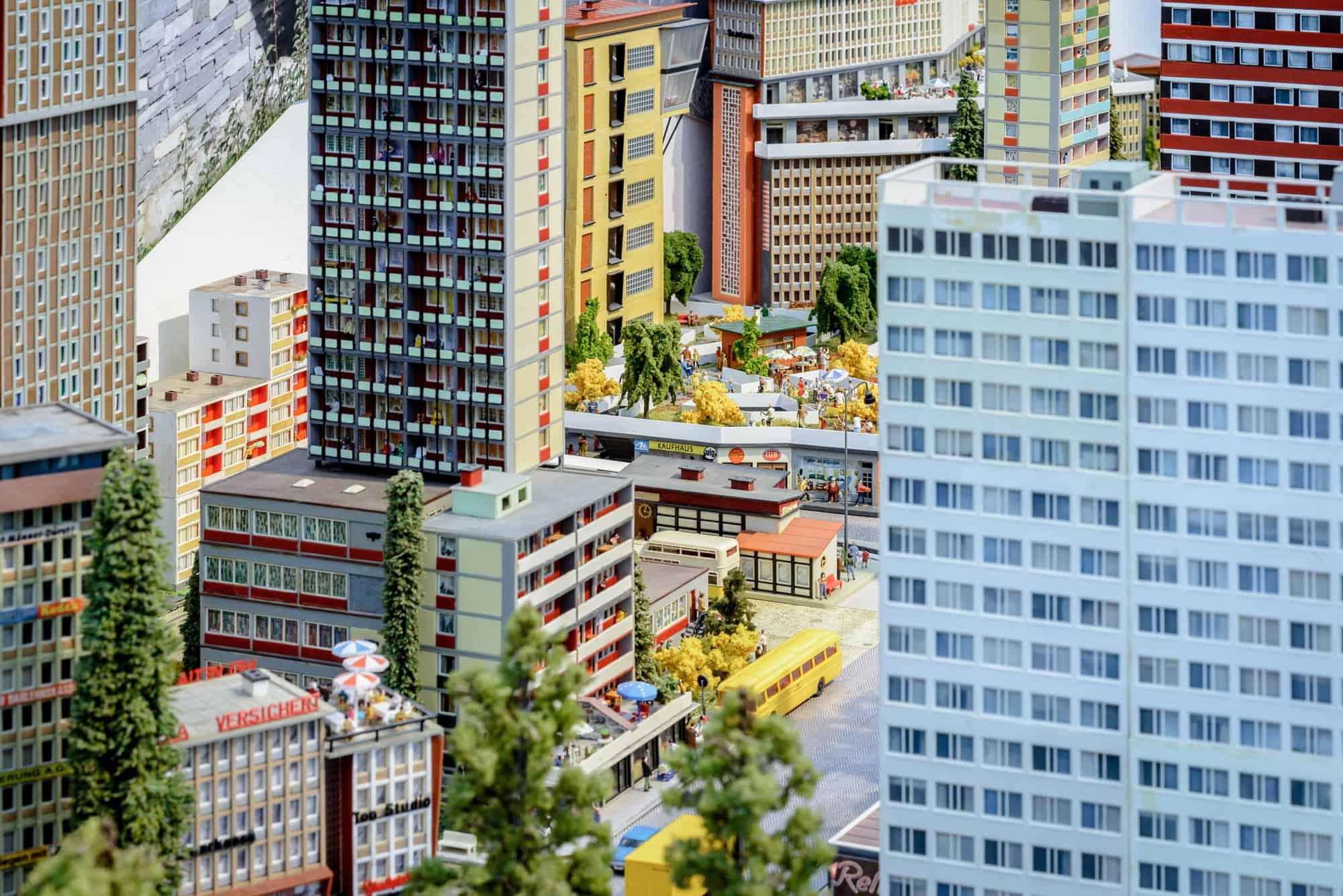 Eindrücke der Ausstellung Märklin Moderne \ Foto: Moritz Bernoully