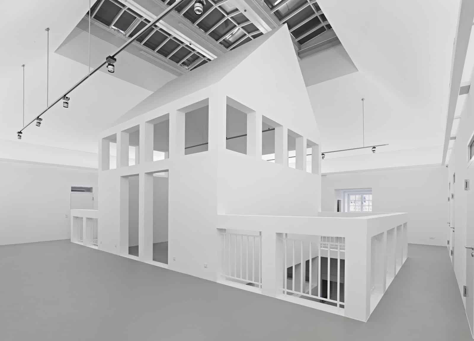 """Haus im Haus"" im 3. Obergeschoss  Foto: Norbert Miguletz, Frankfurt am Main"