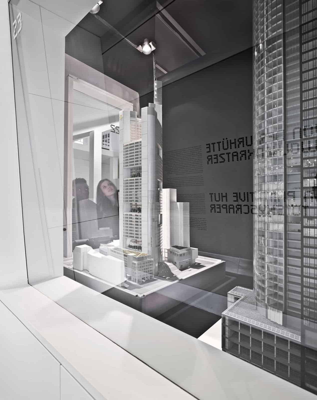 Dauerausstellung – Von der Urhütte zum Wolkenkratzer \ Foto: Norbert Miguletz, Frankfurt am Main