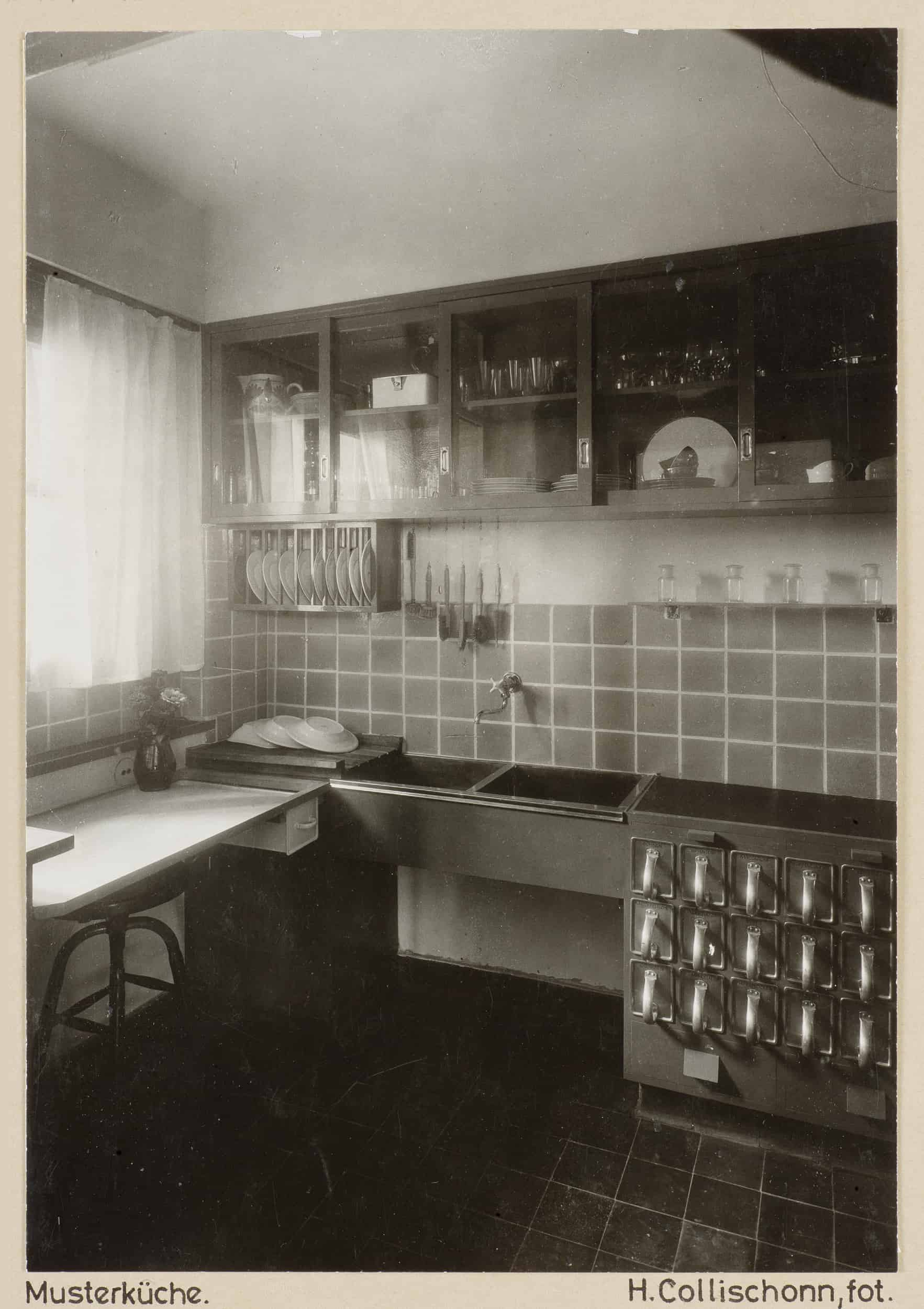Frankfurter Küche in der Siedlung Praunheim um 1930 \ © HMF, Ph11796, 001