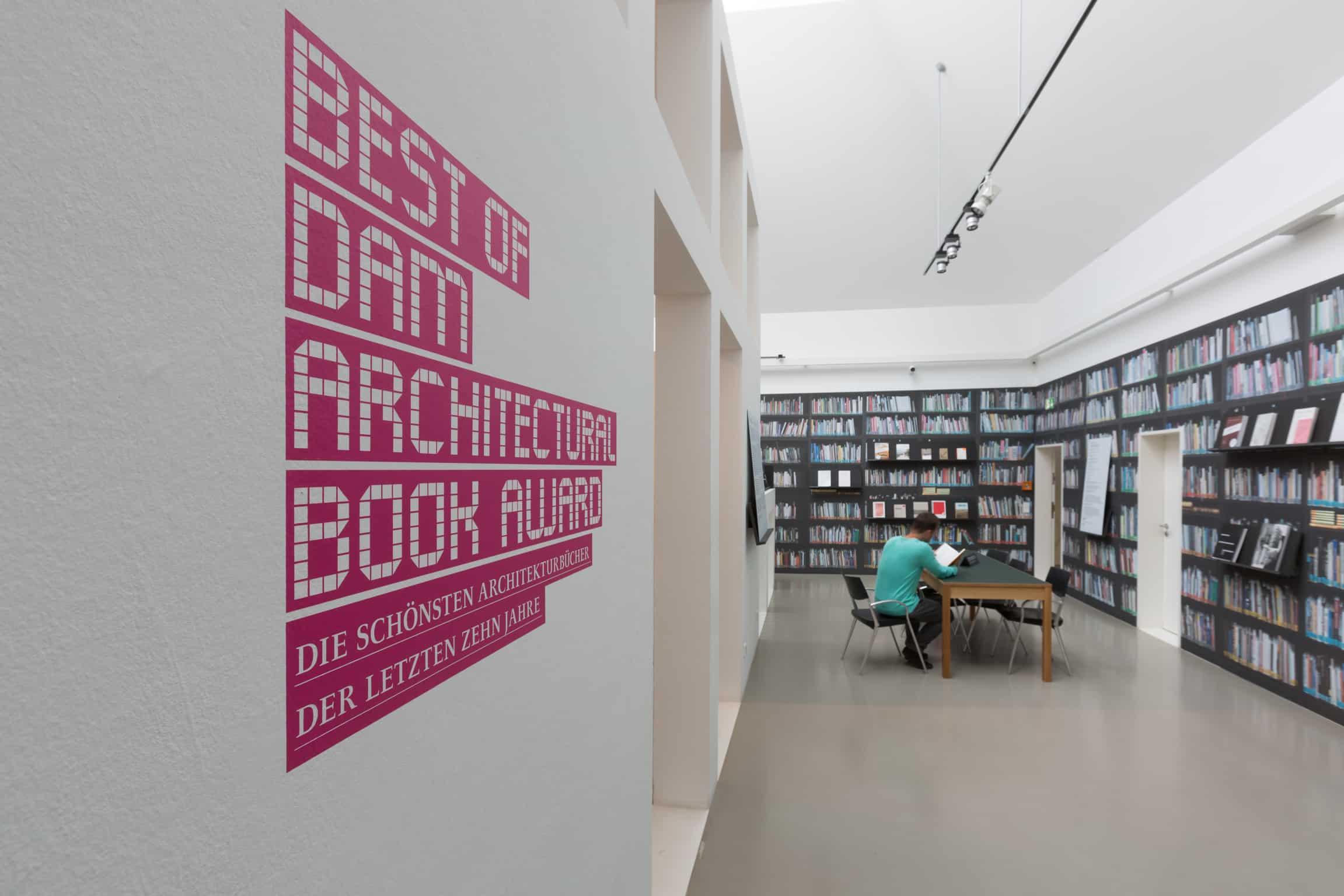 Eindrücke der Ausstellung DAM ARCHITECTURAL BOOK AWARD \ Foto: Fritz Philipp