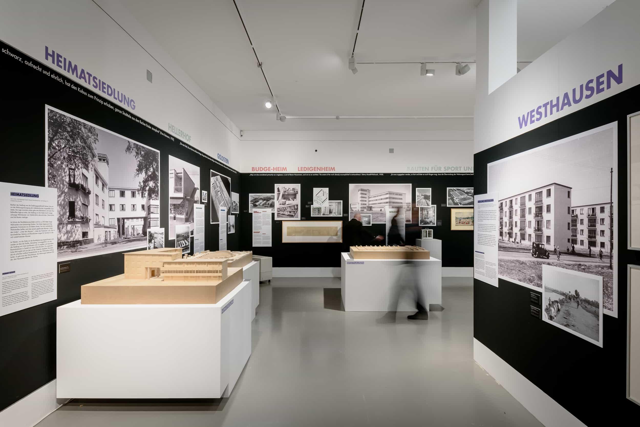 Eindrücke der Ausstellung NEUER MENSCH, NEUE WOHNUNG \ Foto: Moritz Bernoully