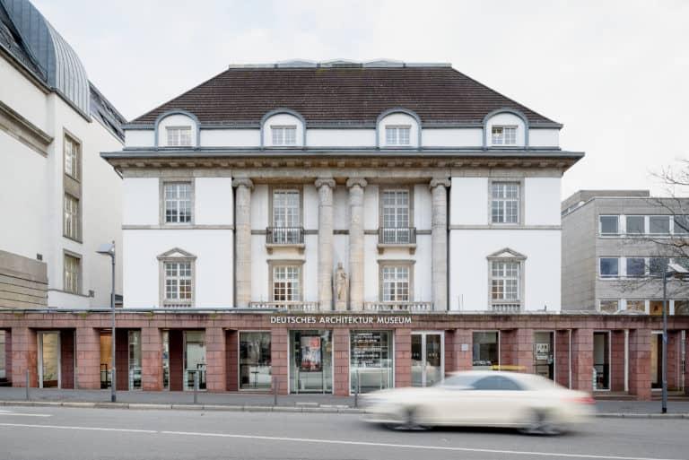 """Das Deutsche Architekturmuseum (DAM) ab Oktober 2021 im Umbau / Interimsquartier """"DAM Ostend"""" und Vorschau Ausstellungen 2022"""