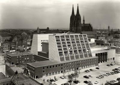 DAM_OperTheater_BuehnenKoeln_historische Aufnahme_Karl Hugo Schmîlz_Archiv Cox_web