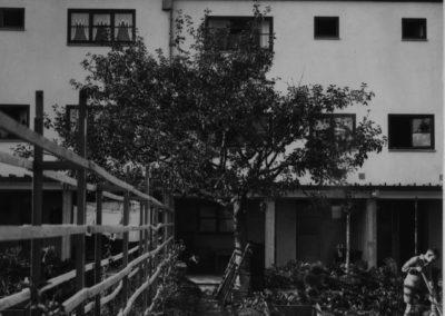 DAM_NeuerMensch_NeueWohnung_Pressebild_Praunheim_DKA_88_Scan_vom_Filmnegativ