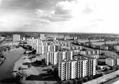 Neue Vahr Bremen  Max Säume, Günter Hafemann, Ernst May, Hans Bernhard Reichow, Alvar Aalto, Wolfgang Bilau, Hans Albrecht Schilling (Farbgestaltung);  Karl-August Orf (Landschaftsarchitektur) 1957-1962